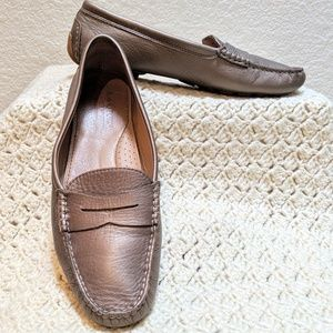 Lauren gold leather penny loafer. Camila. Sz 10B